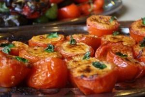 Borrelhapjes: gepofte tomaat