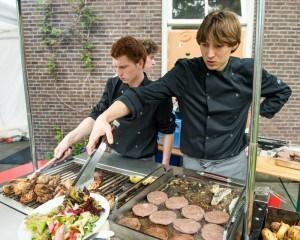 Harmen en Marn op een barbecue catering klus